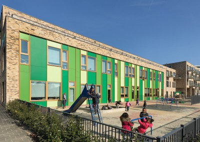 Amsterdam: Basisschool Klaverblad en 30 appartementen