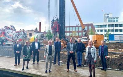 Proost op start bouw circulair woonproject Maaswaard te Venlo